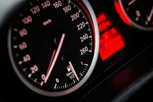 Mantén en todo momento protegido tu auto con un seguro contra accidentes.