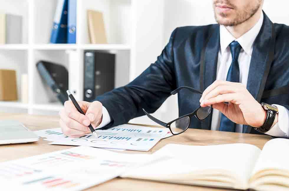Descubre el papel del asesor financiero personal en tu economía