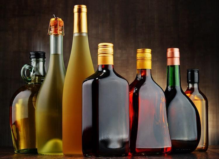 Descubre estas tres acciones de alcohol en las que puedes invertir